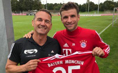 Zu Besuch bei DFB – Nationalspieler Thomas Müller