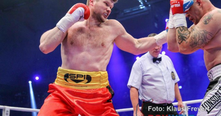 Dimitrenko siegt durch Knockout in Runde 2