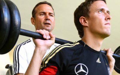 Dr. González trainiert Nationalspieler Max Kruse